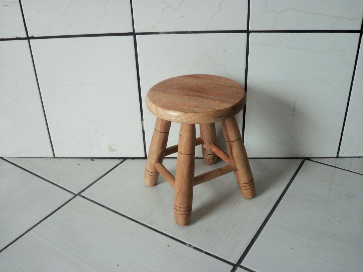 Banquinho Madeira De Lei Maciça Redonda Pequeno R$ 35 00 no  #896442 1200x900