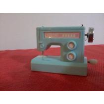 Máquina De Costura Á Corda Da Barbie