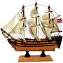 Fragata Pequena Inglês Bandeira Na Popa Em Madeira