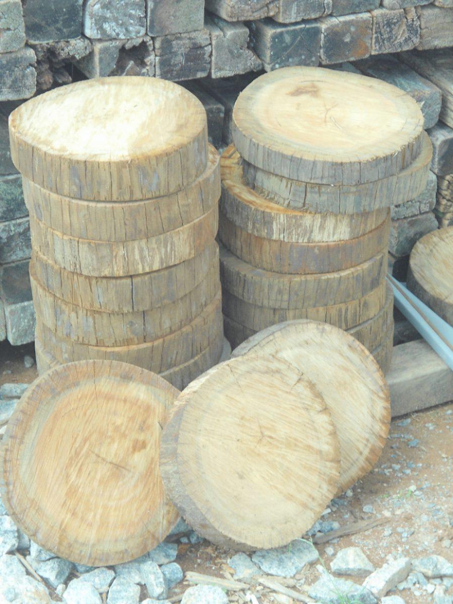Bolachas De Madeira(caminho Jardim Tronco Decoraçao Rustico)  R$ 160