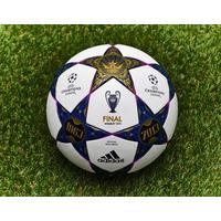 Bola Champions League Adidas Final Wembley 2013