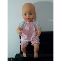 Boneca Bebê - Antiga. Com Roupinha.