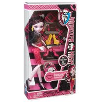 Boneca Mattel Monster High Draculaura Love Shoes