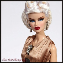 Fashion Royalty - Vanessa High Tide Close-up Doll
