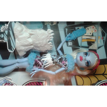 Boneca Abbey Bominable Monster High Aula De Artes