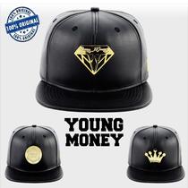Boné Aba Reta Snapback Young Money Ym Espada Diamante Coroa