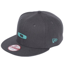 Bone Oakley Metal Gascan O-justable Grafite New Era-7 3/8