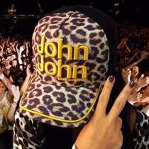 Boné John John * Onça * Letras Bordado Amarelo E Fundo Preto