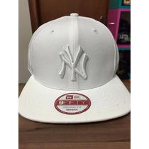 Boné Snapback New Era Ny Yankees Branco 01