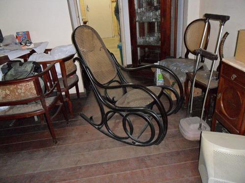 Cadeira De Balanço Austríaca