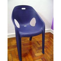 Poltrona Cadeira Azul Marinho Plástica Fino Acabamento Nova