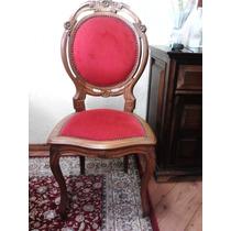 Antiga Cadeira Medalhão