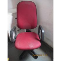 Cadeira Poltrona Giratória Presidente Cavaletti