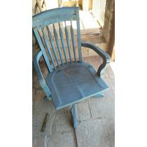 Antiguidades Cadeira P/escritorio De Madeira Com Rodinhas