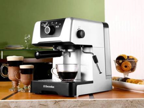 Cafeteira Electrolux Chef Crema Espresso - RUSD 280,00 no MercadoLivre