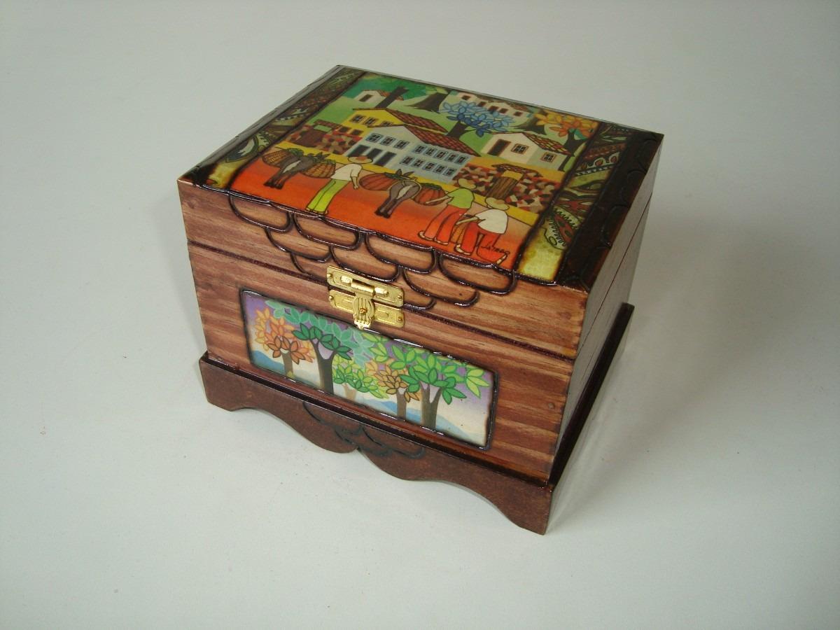 Caixa Madeira Artesanal Porta Batom Forrada Cotidiano Bahia R$ 40 00  #B64315 1200x900