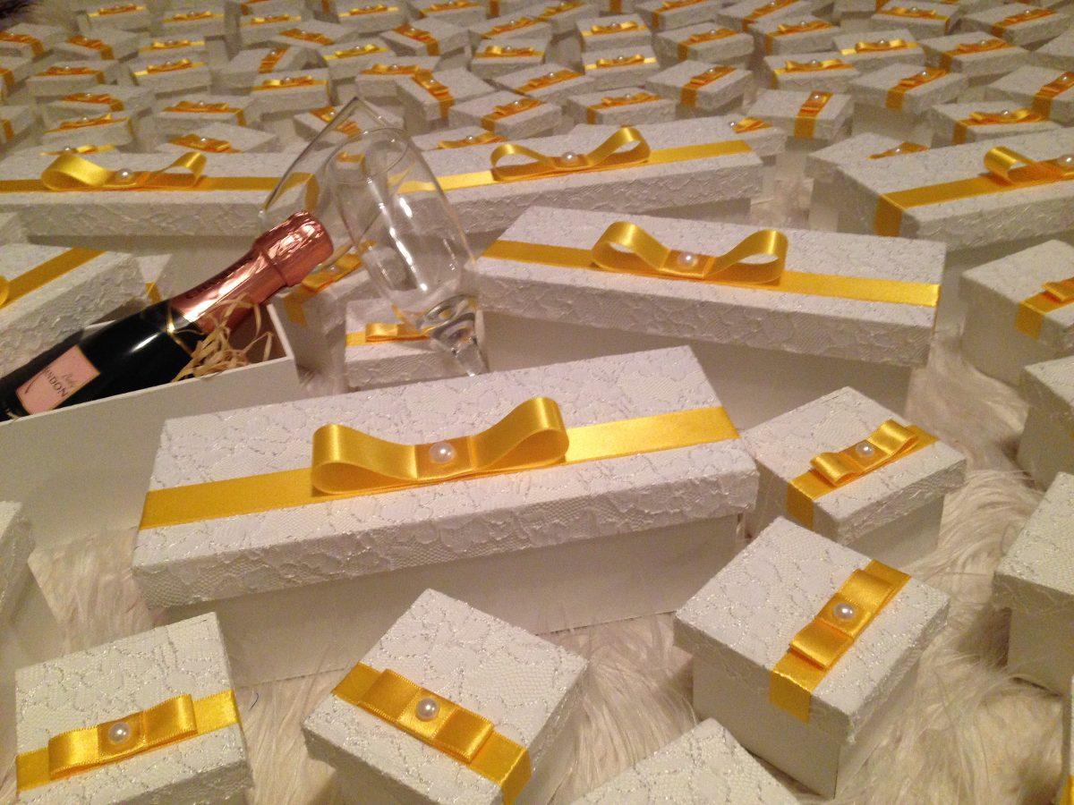 Caixa Mdf Vinho Decorada Craquelà ª Vidrinhos Presente Branca  #AE5007 1200x900