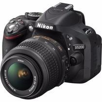 Nikon D5200 + Lente 18-55mm F/3.5-5.6g Vr