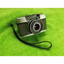 Antiga Máquina Câmera Fotográfica Olympus Pen Ees-2