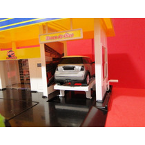 Automoveis + Posto Combustivel 52x38x18cm Diorama Funcional