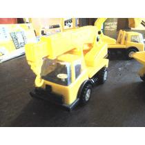 Lote Com 3 Miniaturas De Caminhão Pevi