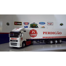 Caminihão Volvo Cararama + Carreta Harpy 1/50 Perdigão
