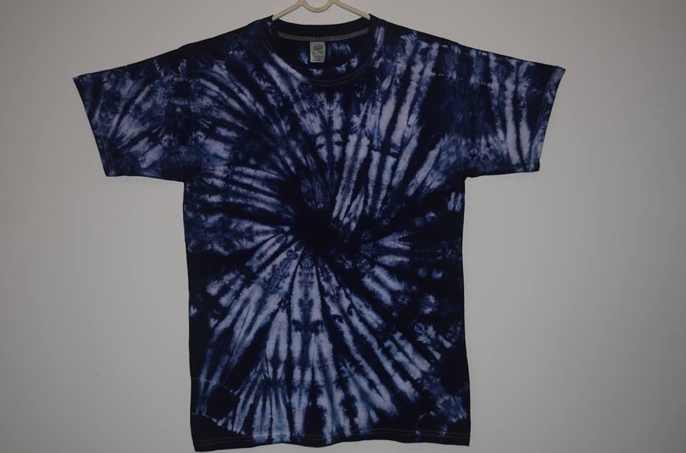 Camiseta tye dye hippie rock pintada tingida r 43 for Camisetas hippies caseras