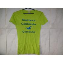 Camiseta Hollister Feminina Tamanho P 60cm X 38cm X 33cm