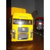 Miniaturas Vw Constellation E Uma Mercedes 1/43 E Uma Hilux