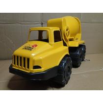 Caminhão Betoneira Basculante Manivela Operacional Direção