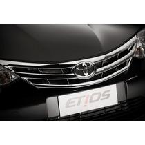 Grade Frontal Original Cromada Toyota Etios ( Sem Emblema )