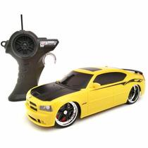 Carro Controle Remoto Dodge Charger 2006 Amarelo Maisto 1:24
