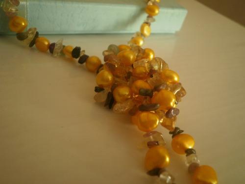 Colar Longo Com Pérolas Naturais Douradas E Cristais Colorid