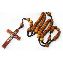 Terço De Madeira P/ Pescoço C/ Crucifixo - Cristo Em Metal