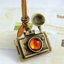 Colar Vintage Câmera - Dourado Envelhecido (pronta Entrega)