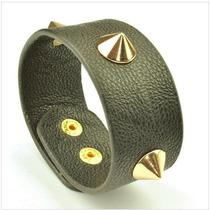 Lindo Bracelete Em Couro Preto Com Spike Dourado - J1501
