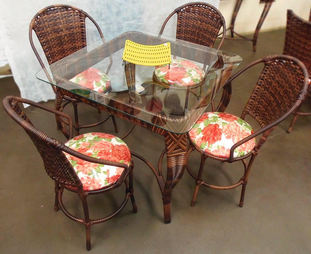 mesa jardim quadrada:Conjunto De Mesa Quadrada E 4 Cadeiras Ferro Junco Rattan – R$ 1.532
