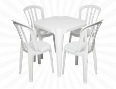 Conjunto De Mesas E Cadeiras De Plástico