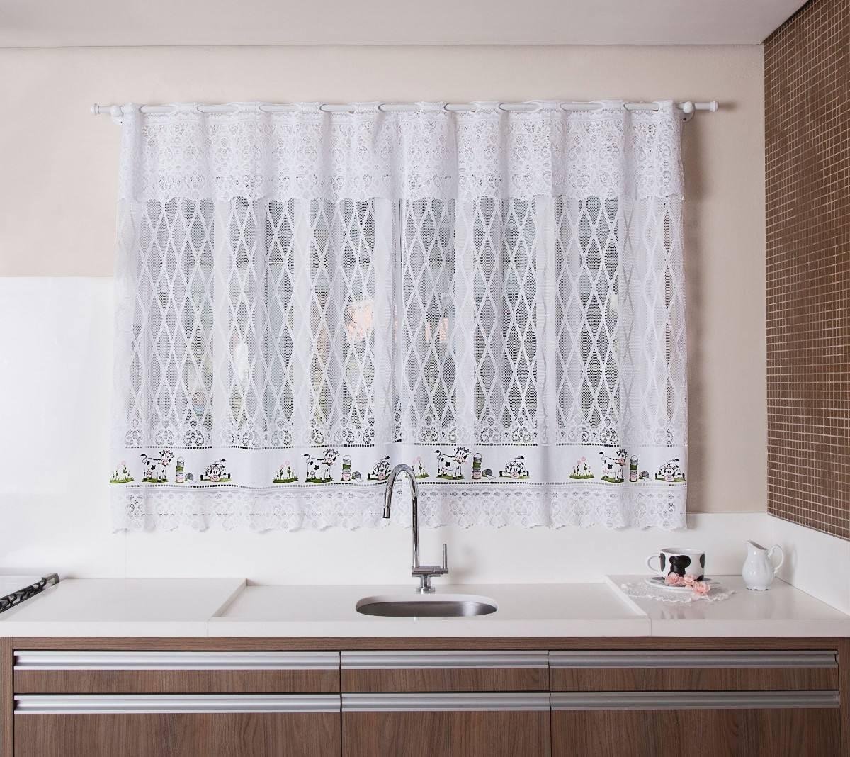 Cortina Para Cozinha Decorada Cortinas Para Cozinha Fotos E Modelos  #48342C 1200x1068 Banheiro Com Janela Em Cima Da Pia