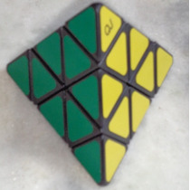 Pyraminx Qj Adesivado Tetraedro Speedcubing Envio Rápido