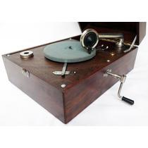 Vitrola A Corda Antiga Restaurada Funcionando Mp Jaj