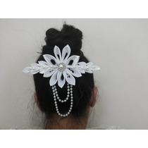 Arranjo De Flores -penteado De Noivas E Festas