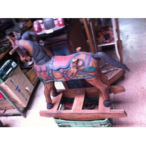 Cavalo De Madeira E Balanço - Linda Peça
