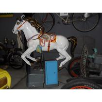 Cavalo Antigo Brinquedo De Parque Carrossel