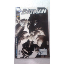 Hq Batman Nº 71 - Tubarões Em Guerra - Dc Panini