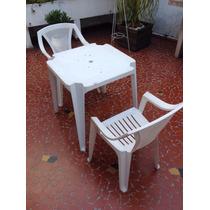 Mesa E Cadeiras De Plástico