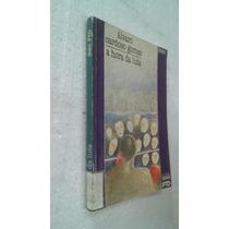 Livro A Hora Da Luta - Álvaro Cardoso Gomes