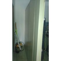Vendo: Um Divisória Com 1 Porta De Vidro E Balcão Divisória: