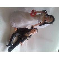 Noiva Puxando O Noivo Topo De Bolo Bisquit Casamento