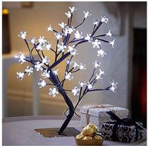 Luminária Cerejeira Led Pisca Branco 60cm Árvore Natal